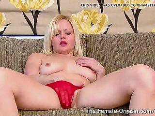 Multi Orgasamic Sayang dengan Menaruh Perky dan satu pussylip besar