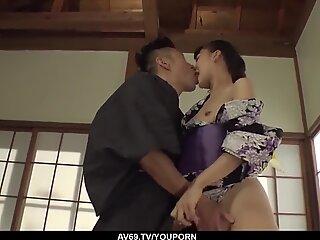 Splendido sesso a casa con una moglie nuda con curve folli - altro su 69avs.com