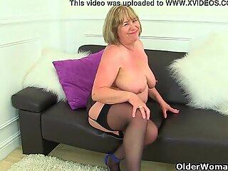 Aunty Trisha'_s hard nipples and old pussy need loving
